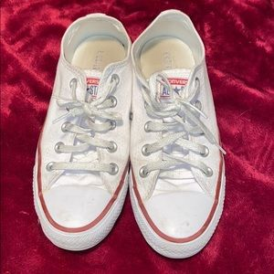 white all star converse size 6